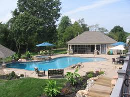Pool pool house and swim up bar Traditional Pool Philadelphia