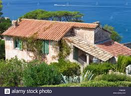 Stein Alt Mediterranes Haus Mit Grünen Fensterläden In Den Fenstern