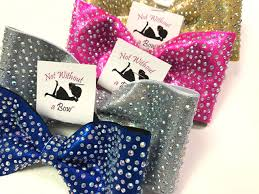 custom tailless cheer bows that make a statement offering tailless cheer bow styles in a 3 and new 4 bow width new dolly cheer bows
