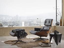 Por la compra de una Lounge Chair y su Ottoman