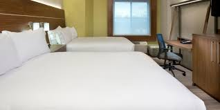 New Orleans 2 Bedroom Suites Holiday Inn Express New Orleans Downtown Hotel By Ihg