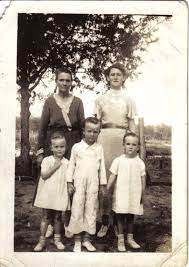 Minnie Hickman, Mabel, Nona, Wayborn, Nola.   Couple photos, Photo, Old  pictures