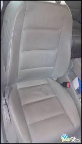 Sonra orta sertlikte bir bulaşık fırçasıyla kapı döşemeleri, koltuk. Audi A4 Deri Koltuk Detayli Ic Temizlik Empode Oto Kuafor