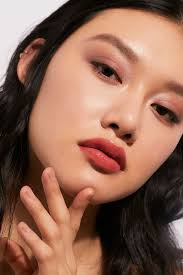 the best glossy lipsticks for plump and