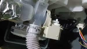 cách xử lý lỗi E4 máy giặt AQUA inverter - YouTube