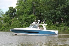2017 Boston Whaler 42 Outrage Yacht For Sale Si Yachts