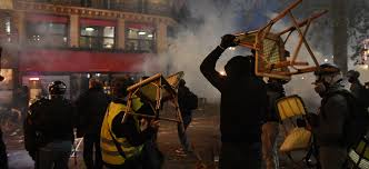 Gilets Jaunes Manifestation Interdite A Paris Ce Samedi Les Elements Radicaux Dans Le Viseur