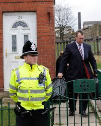 The search extended to 3,000 local houses, with 1,500 drivers around the local area also being questioned. Shannon Matthews Paedophile Step Dad Craig Meehan Attacked Uk News Express Co Uk