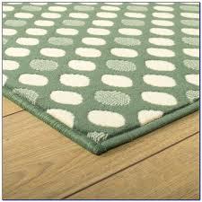 green runner rug enchanting green runner rug forest green runner rug rugs home decorating ideas green runner rug