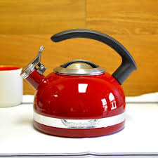 kitchenaid kettle kettle c handle trimmed with 1 9 l kten20cber kitchenaid kettle with c handle and trim band 2 quart