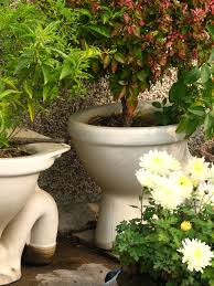 Porcelain Planters Seem To Be Quite Popular In Some Gardens Clever Plant  Container Ideas The Micro