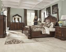 Ledelle 4-pc Grand Queen Bedroom Set Ashley Furniture