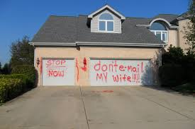 paint garage doorScorned Husband Gets Even By Spray Painting Other Mans Garage