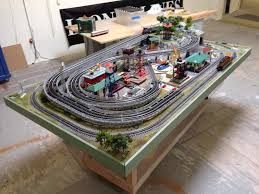 lionel dealer display layouts factory layouts and postwar layouts lionel dealer display layouts factory layouts and postwar layouts o gauge railroading on line