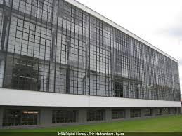 glass curtain wall of the bauhaus dessau 1926 6