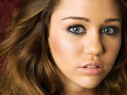 Miley Cyrus Bedroom Wallpaper Miley Cyrus Zakrecona Milka