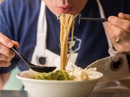 How to eat ramen: Very quickly — Quartz