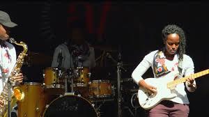 Ivy Alexander's amazing Drumjam performance - YouTube