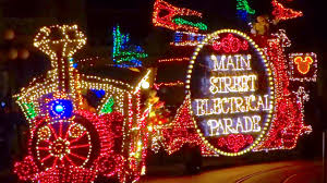 Electric Light Parade Disneyland Main Street Electrical Parade Returns To Disneyland First Full 2017 Performance