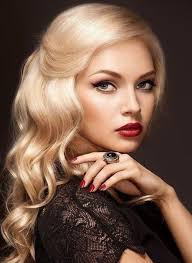the sleek and elegant layered and wavy style like the 50s style