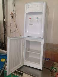 Cây nước nóng lạnh hai vòi nóng và lạnh Sakerama S25 LD - S25 LD