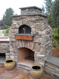 Exterior, Natural Looks Outdoor Pizza Oven With Stack Stones Materials And  Curved Burner Top As Decorate Backyard Patio Ideas : Amazing Outdoor Pizza  Oven ...