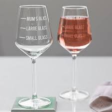 personalised mum s measure wine glass