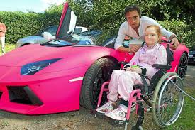 Top Gear star Richard Hammond drives in for Emilia | Shropshire Star