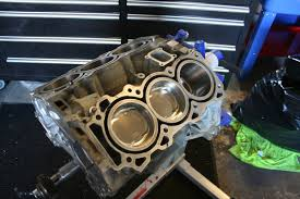 10 tips for building a powerful reliable nissan vq35de left once the rings are gapped and crankshaft installed you can assemble the short block right make sure you keep each set of rings their specific