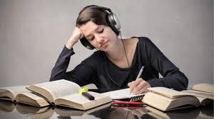 Mendengarkan podcast merupakan sebuah cara yang paling sederhana untuk meningkatkan kemampuan bahasa inggris bagi anda yang cukup sibuk. Pilih Genre Musik Yang Cocok Untuk Belajar Ruang Mahasiswa