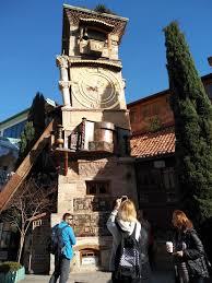 На вопросы владимира познера отвечает сценарист, режиссер, скульптор резо габриадзе, основатель театра. Teatr Marionetok Rezo Gabriadze Tbilisi Gruziya Big Ben Landmarks Building