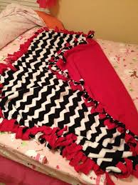 Best 25+ DIY knot blankets ideas on Pinterest   Knot blanket, DIY ... & How to Make a Fleece Tie Blanket: 15 Steps (with Pictures) Adamdwight.com