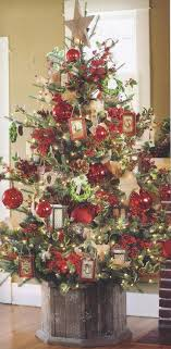Providence Ltd Design - ProvidenceLtdDesign - Christmas In July - Rustic  Elegant Xmas Tree w/ wood base. Lots of ideas. Thinking I need a wooden box  .