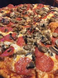 photo of round table pizza kailua hi united states large mushroom