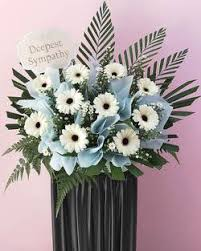 We provide floral bouquet flowers delivery in singapore with same day delivery. Best Florist For Funeral Flowers In Singapore Send Condolence Wreath Floristiquesg
