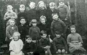 Birch School group around 1925 ? Back row L-R ...