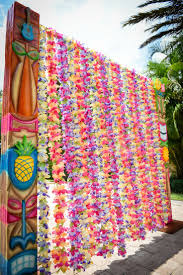 Diy Jellyfish Decorations 1000 Ideas About Luau Party Decorations On Pinterest Luau