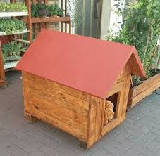 1 recycled wood pallet dog house by 99 pallets