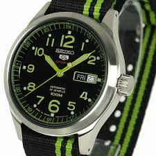 best watches under 1500 it doesn t come a bracelet however seiko makes other watches the same case and those do come on bracelet so a fitted bracelet is in the seiko