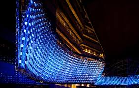 reflective flow the world s largest chandelier uses colour changing led lights