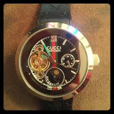 gucci 1142. gucci accessories - pantcaon black strap wrist watch. (unisex) 1142
