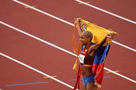 Asimismo, durante la competición dejó un nuevo récord mundial en esta disciplina deportiva al brincar 15.67 metros, superando el impuesto por francoise mbango de 15.39 metros. Wyyeah0v0 Wqvm