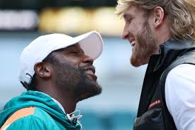 Mayweather will be fighting logan paul, former champion of the youtube world. Floyd Mayweather Vs Logan Paul Fight Card Revealed Bloody Elbow