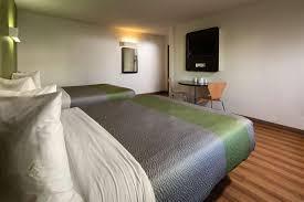 about motel 6 canoga park