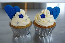 Hello There Cupcakes Claire Scotts Blue White Wedding Cakes