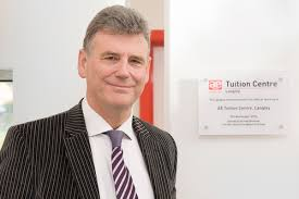 Dr Stephen Curran: Background and Career - AE Tuition
