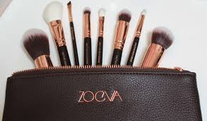 zoeva rose gold brush set. after reading many tweets from fellow beauty obsessives gushing about the fact that they had just ordered themselves zoeva rose golden luxury brushes i gold brush set o