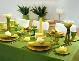 ... table decorations for Easter eggshell green table cloth plate Orange