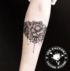 браслет из цветов сделано в Inkfactory