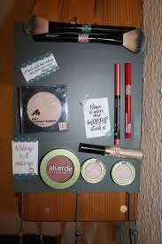 picture of diy magnetic makeup board